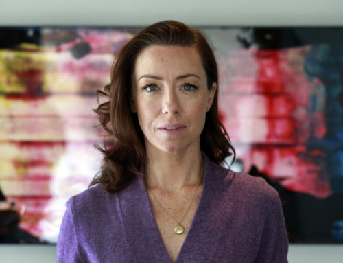 """HOUSE OF CARDS"" MOLLY PARKER JOINS 'ESC'"
